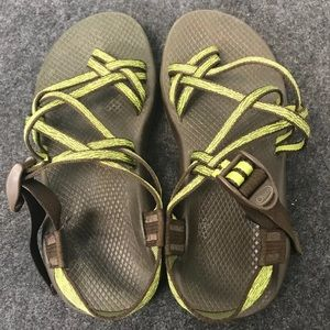 Chaco sandals size 8w brown green